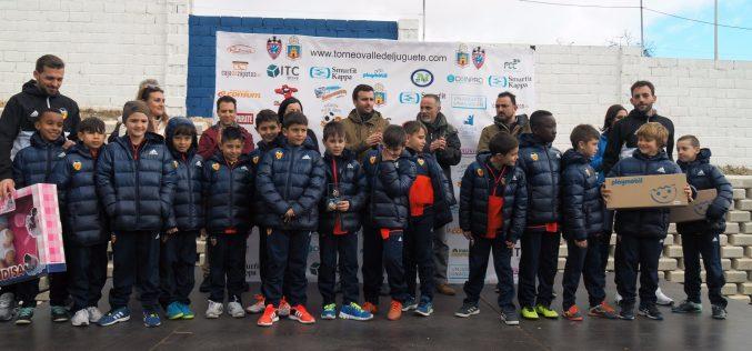 """El Hércules y el Valencia se alzan con el trofeo en el V torneo solidario """"Un juguete, una ilusión"""""""